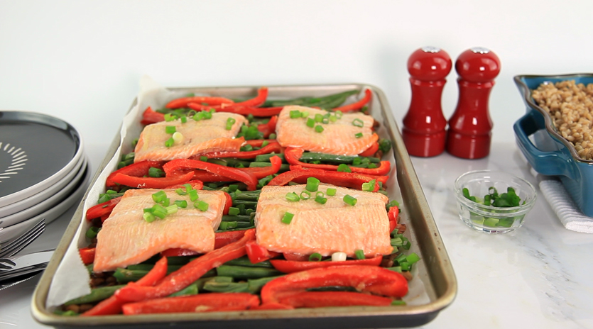 trout sheet pan dinner with peppers, lentils, green beans