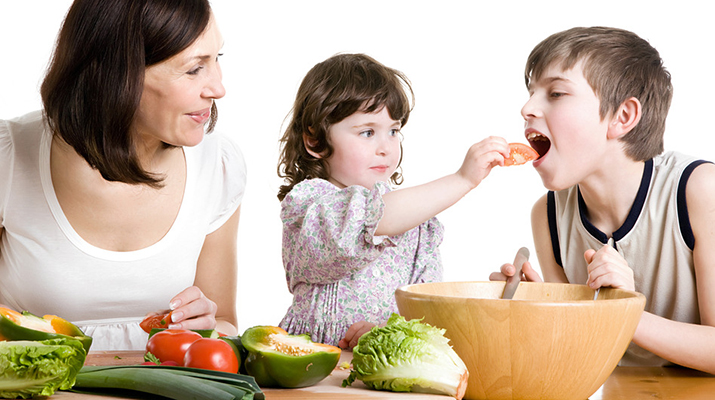 How can I get my kid to try new healthy lunch ideas?