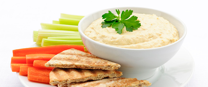 What are some healthy snack ideas to pack with school lunches?